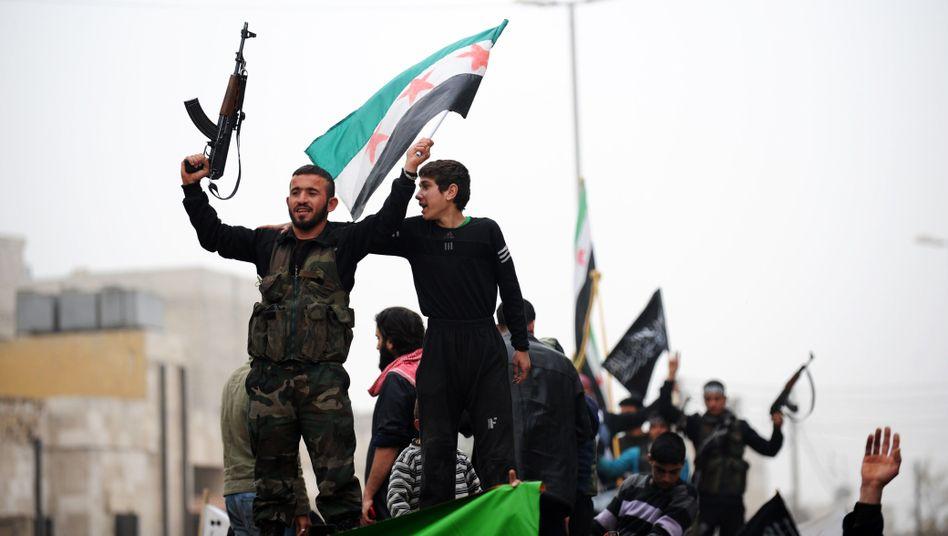 Rebellen in Aleppo: Saudi-Arabien liefert ihnen mit CIA-Unterstützung Waffen