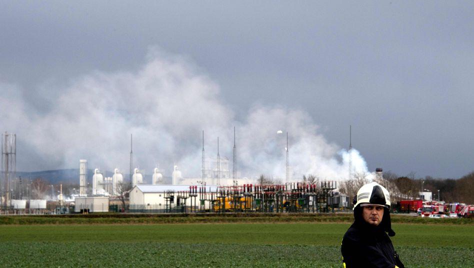 Rauchschwaden über Gas-Verteilstation in Baumgarten (Österreich)