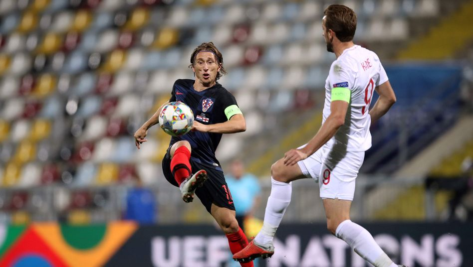 Luka Modric (links) vs. Harry Kane