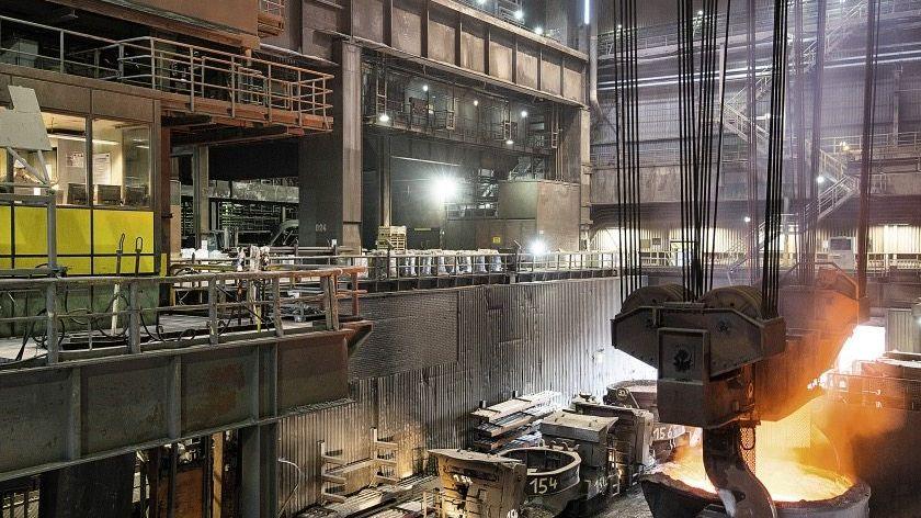 Stahlproduktion bei ThyssenKrupp in Duisburg