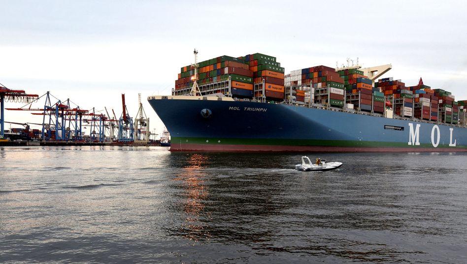 Containerschiff im Hamburger Hafen: Panikmache oder Schönfärberei