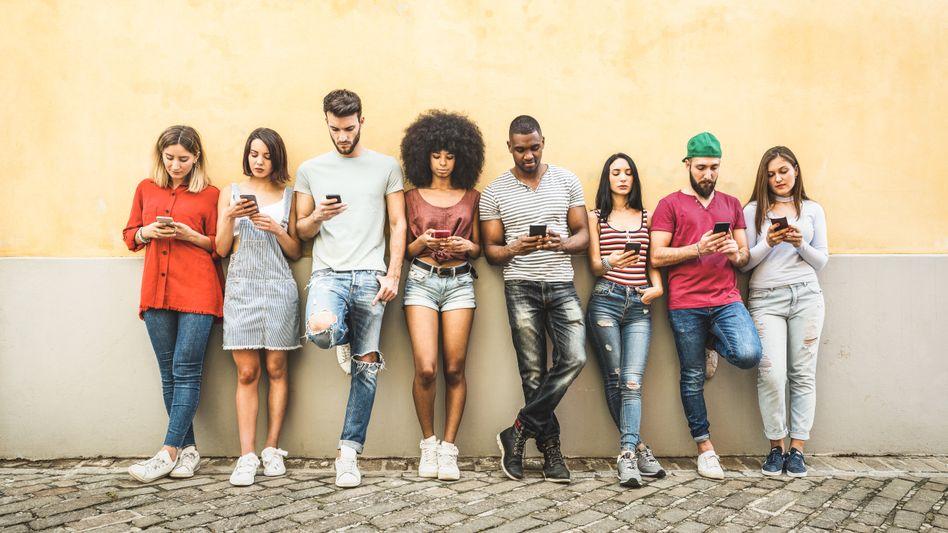 Junge Handynutzer: Wie geht es mit TikTok und Instagram weiter?