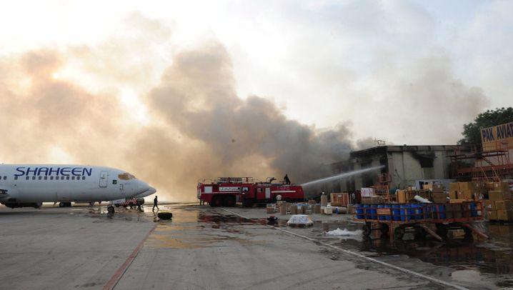Flughafen von Karatschi: Feuergefecht mit Terroristen