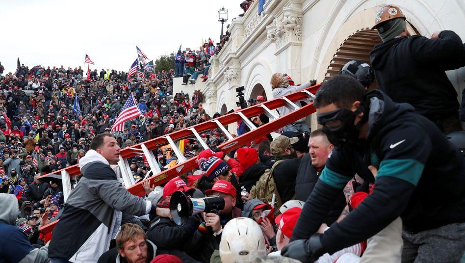 Trump-Fans stürmen das Kapitol in Washington