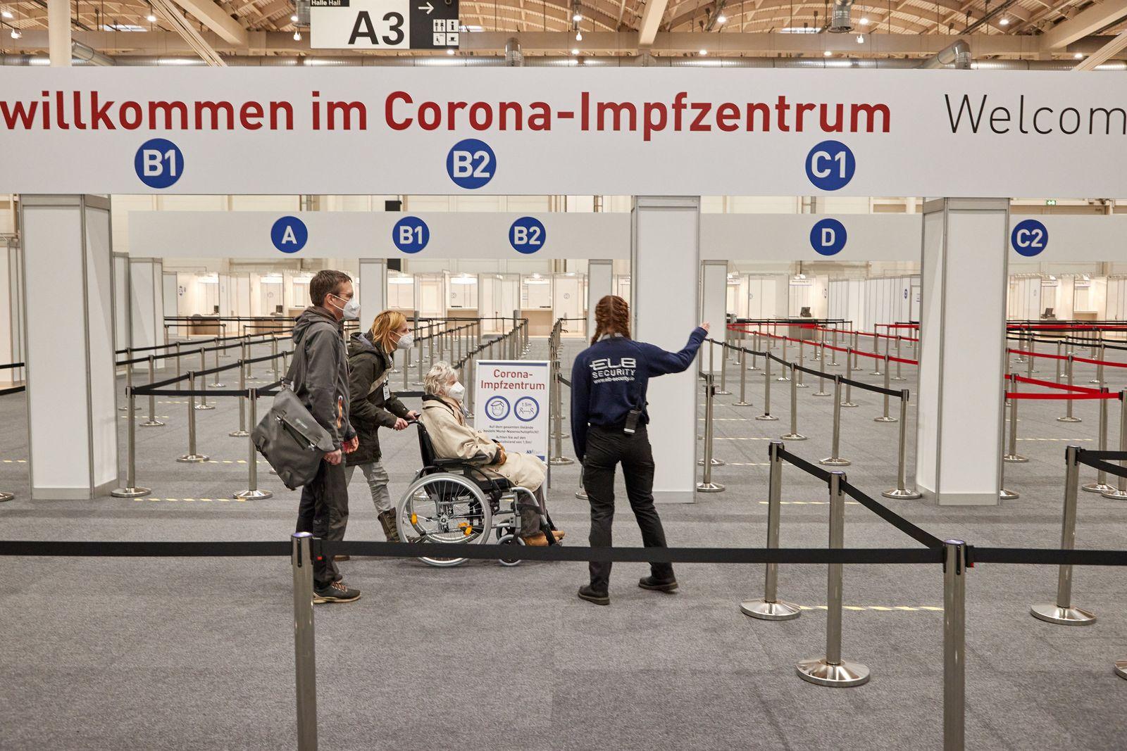 Coronavirus - Impfzentrum Hamburger Messehallen