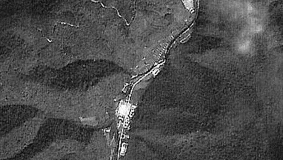 Satellitenfoto der Provinz Yanggang: Boden auf Feld sackt weg