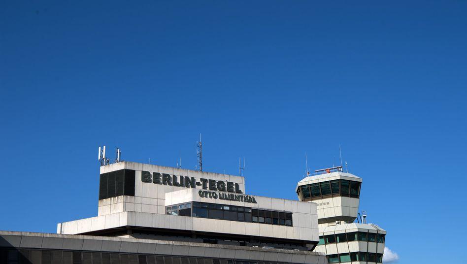 Tower der Flughafens Tegel