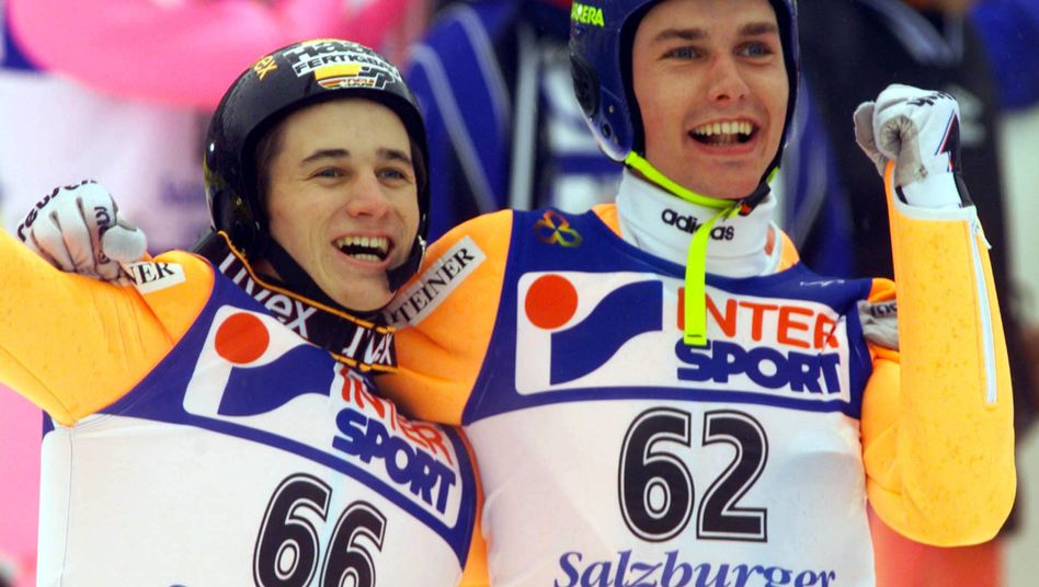 Schmitt (l.), Hannawald (bei der Nordischen Ski-WM 1999): Erfolgreiche Kollegen