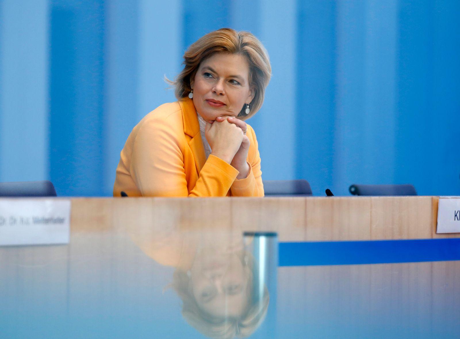 Bundesministerin für Ernährung und Landwirtschaft Julia Klöckner, Deutschland, Berlin, Bundespressekonferenz, Thema: Me