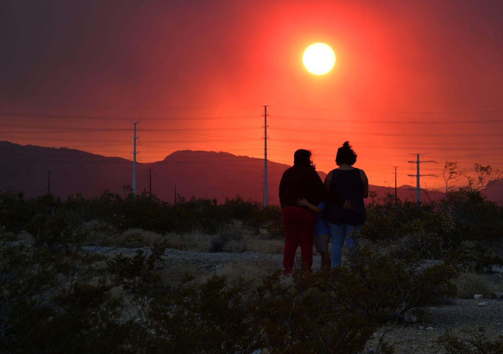 *** BESTPIX *** Wildfire Burns On Mount Charleston In Nevada
