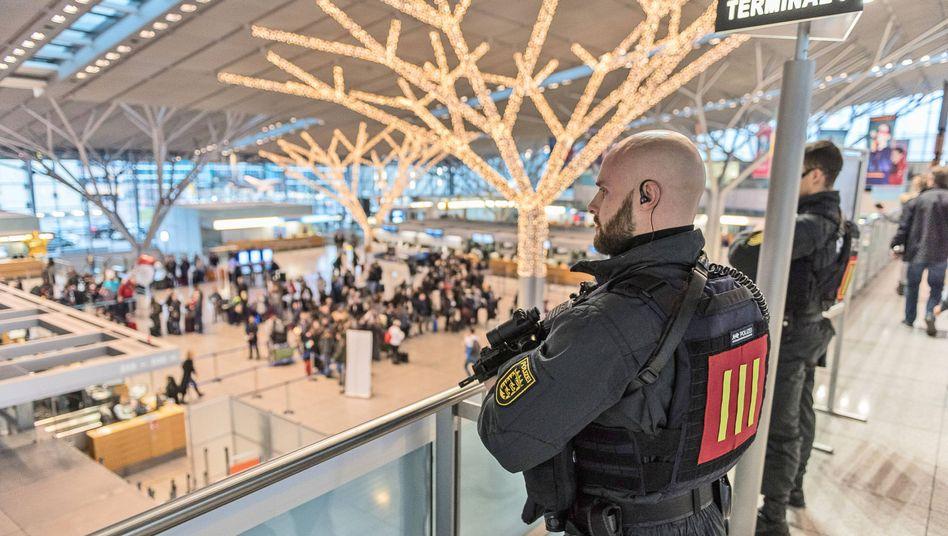 Polizei am Stuttgarter Flughafen