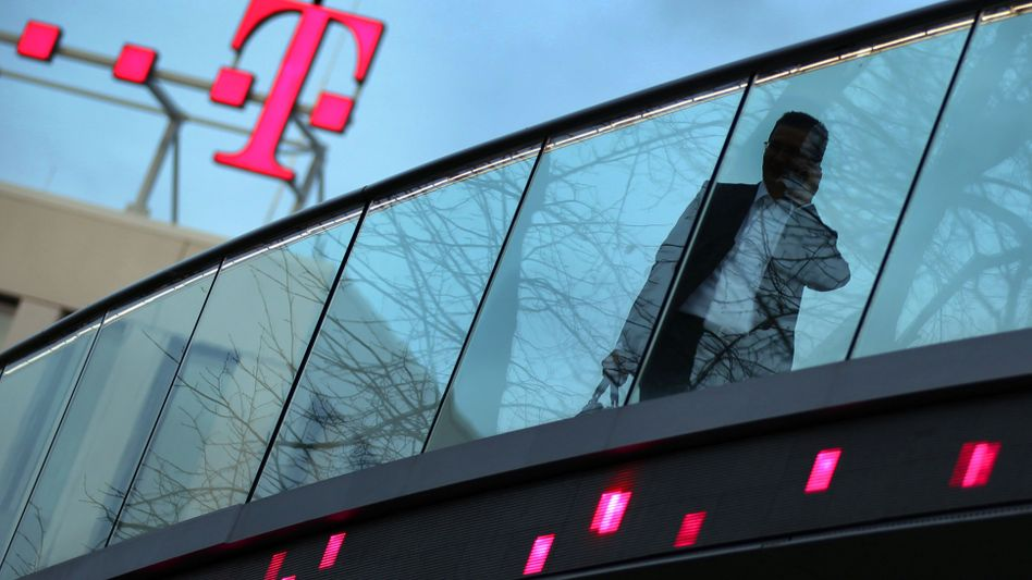 Telekom-Zentrale (Bonn): Täter geben sich als Mitarbeiter von Mobilfunk-Shops aus