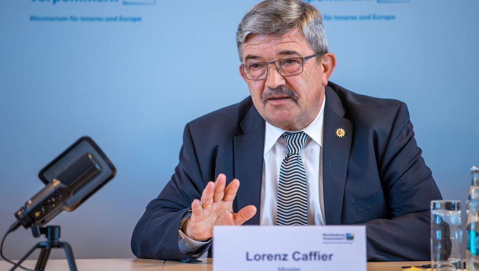 "Lorenz Caffier: ""Privatsache bleibt Privatsache"", zitiert die ""Ostsee-Zeitung"" den CDU-Politiker"