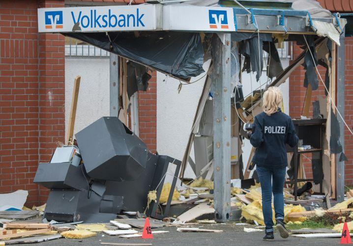 Gesprengter Automat in Hambühren: Entkommen, wieder einmal