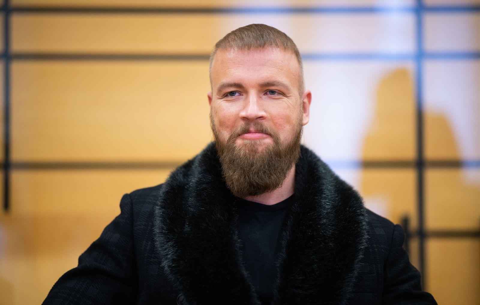 Rapper Kollegah wegen unerlaubten Waffenbesitzes vor Gericht