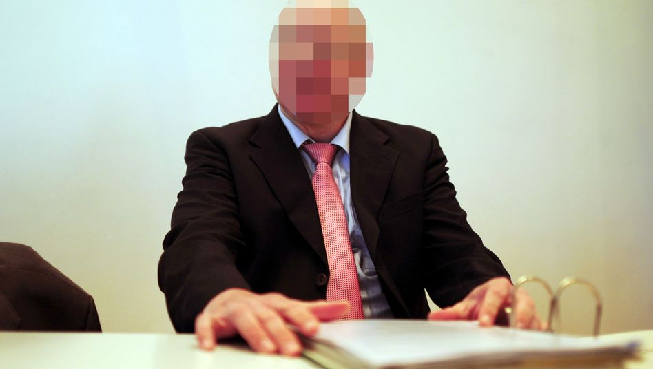 """Angeklagter Frauenarzt: """"Höchstpersönlichen Lebensbereich"""" seiner Patientinnen verletzt"""