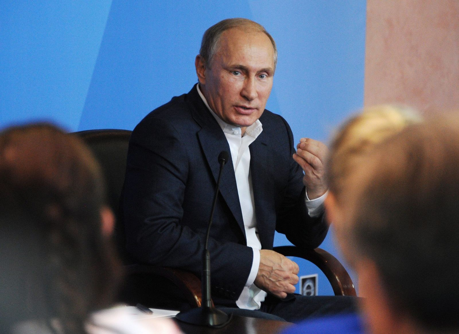 Vladimir Putin visits southern Federal Centre for Sports Training