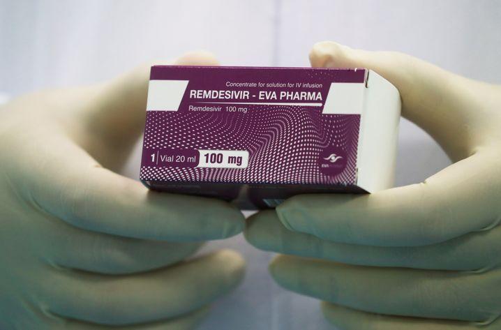Ebola-Medikament Remdesivir: 390 Dollar pro Dosis