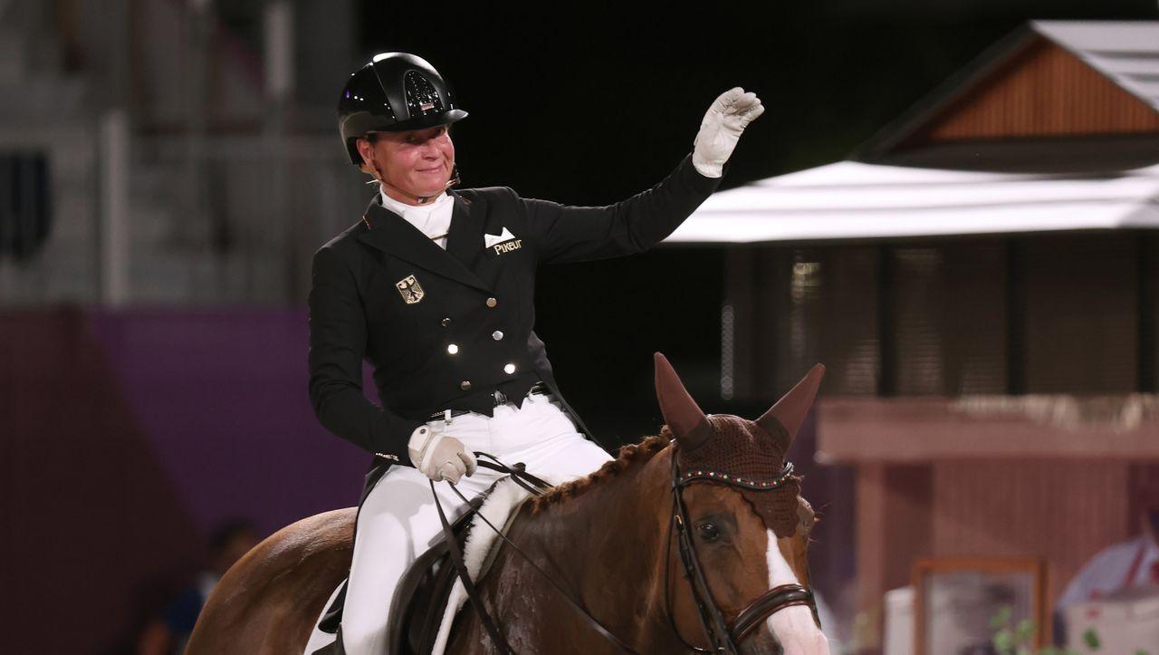 Photo of Olympische Spiele in Tokio: Dressurteam um Isabell Werth gewinnt zweite deutsche Goldmedaille   derspiegel