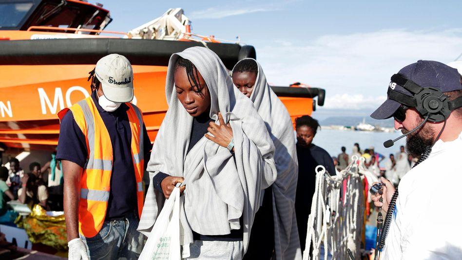 Gerettete Flüchtlinge in Vibo Marina, Italien (Archiv)
