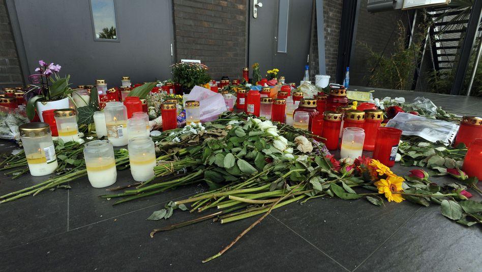 Blumen vor der Diskothek Grey in Konstanz
