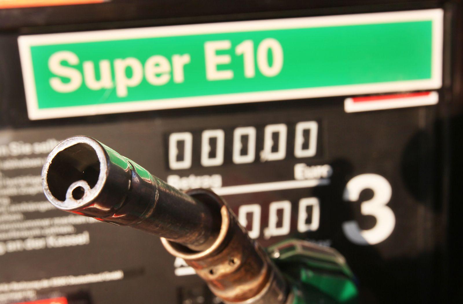 Zapfsäule Super E10