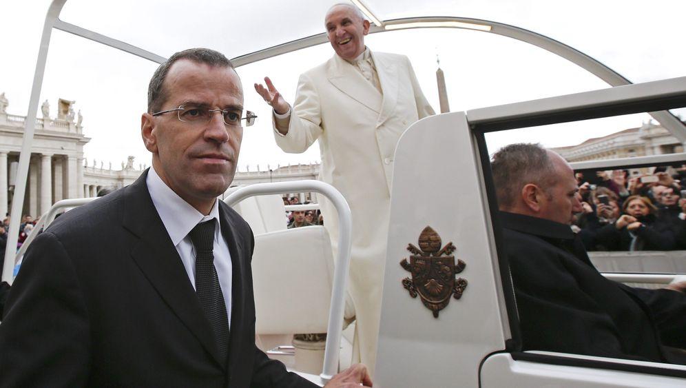 Vatikan: Papst entlässt Chef der Schweizergarde