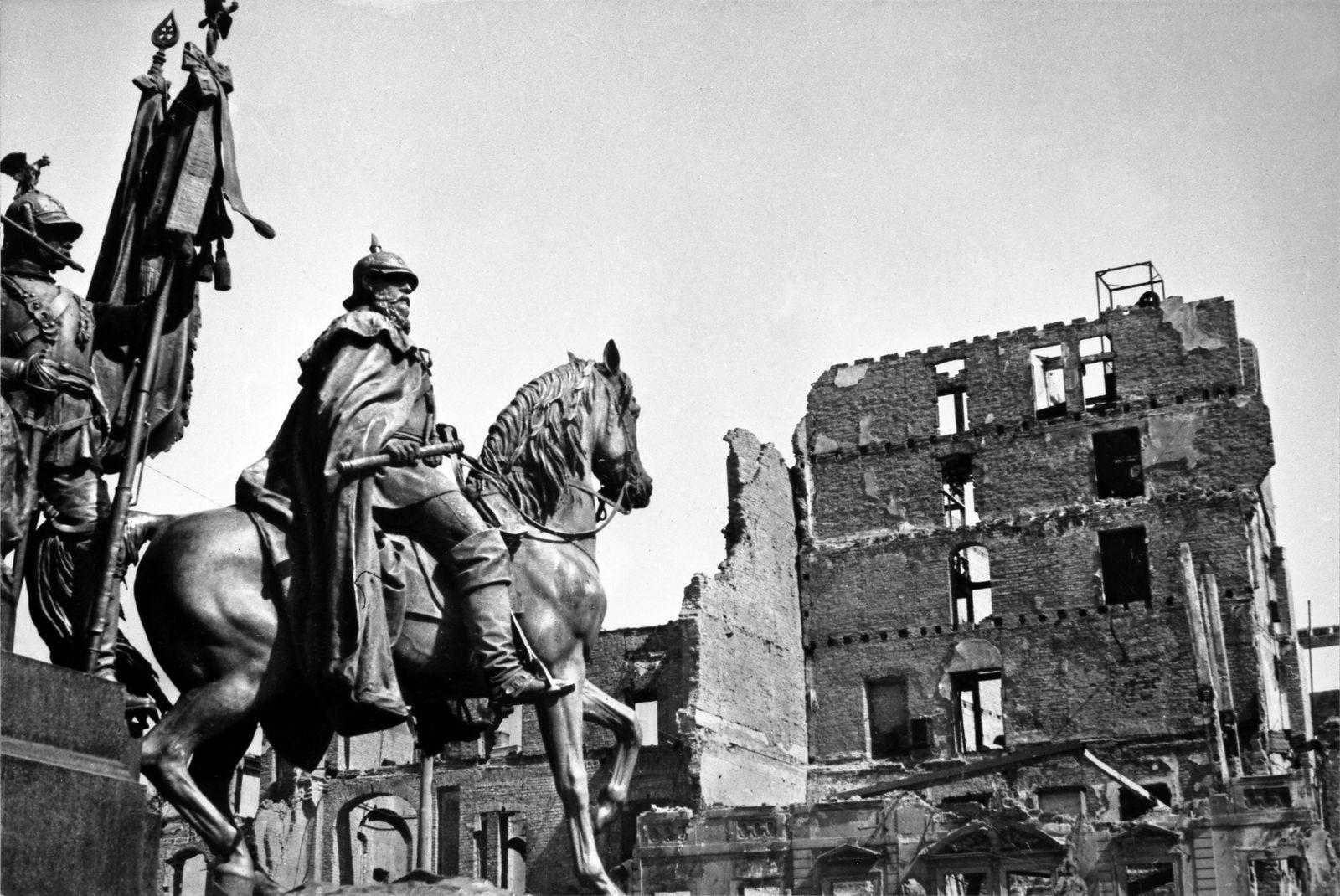 Bombardierung Dresden - Dresden, 1945.