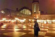 Hamburger Hauptbahnhof (Archivbild): Nach Anruf erfolgte die Komplettsperrung