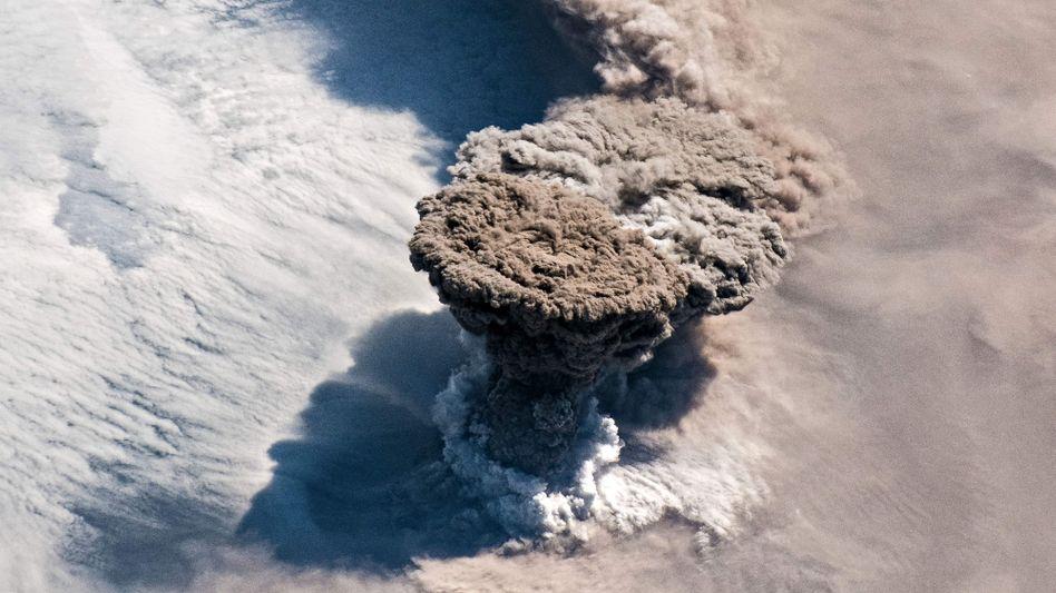 Astronauten an Bord der ISS haben den Ausbruch von Raikoke aufgenommen
