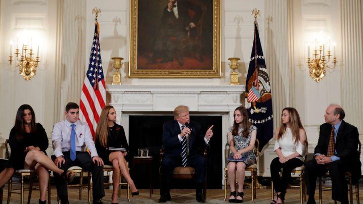 """Trump trifft Schüler aus Parkland: """"Ich verstehe euch"""""""