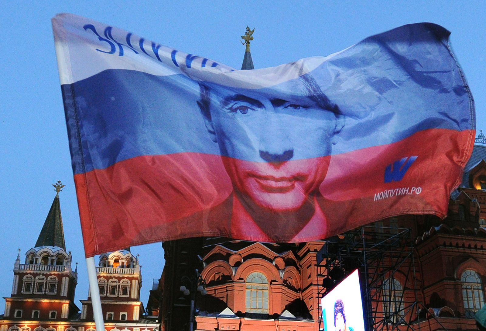 Kreml / Putin-Fahne
