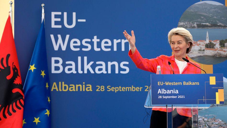 EU-Kommissionspräsidentin Ursula von der Leyen: »Jetzt Kurs halten, nicht aufgeben, weitermachen.«