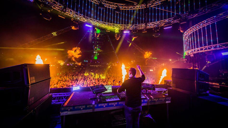 Rave mit DJ Paul van Dyk (Archivbild)