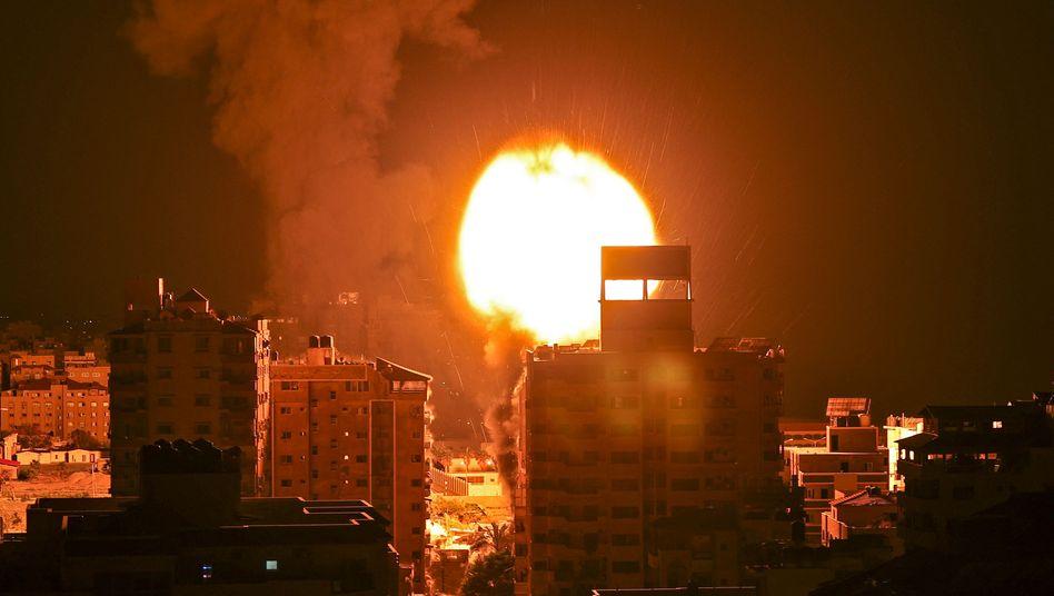 Explosion nach Luftangriff im Gazastreifen