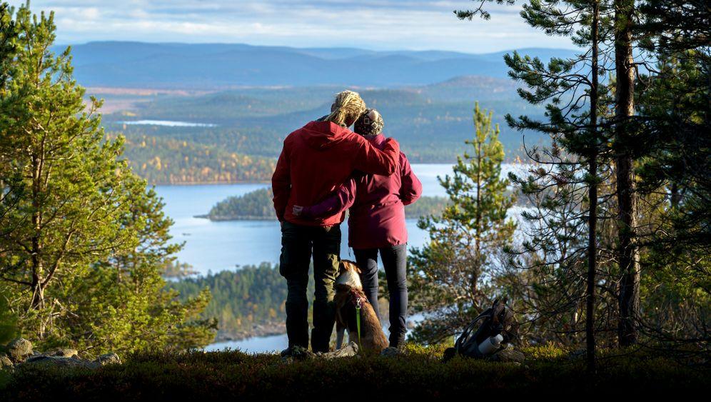 Pause am Inarisee - der drittgrößte See Finnlands liegt nahe der Grenze zu Russland