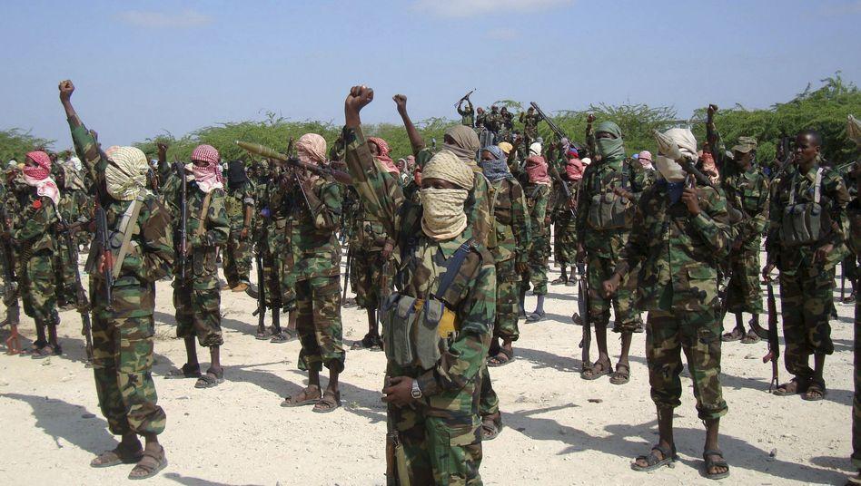 Kämpfer der Al-Schabab in Somalia (Archivbild): Steinigung wegen Ehebruchs