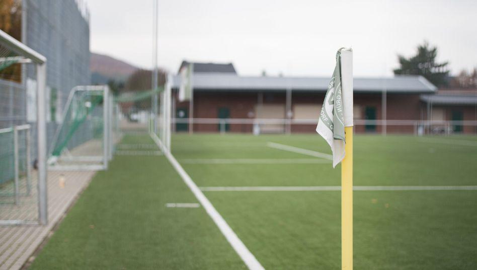Fußballplatz des SV Grün-Weiß Welldorf-Güsten