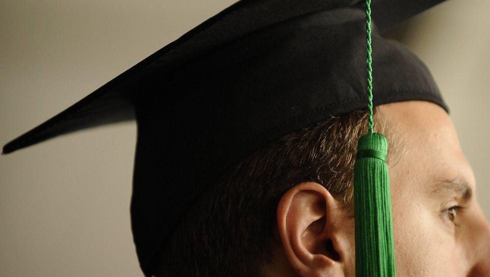 Promotionsberater: Ermittlungen gegen weitere Professoren