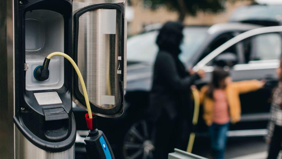 Nur umweltfreundlich, wenn sie auch geladen werden: Plug-in-Hybride (Symbolbild)