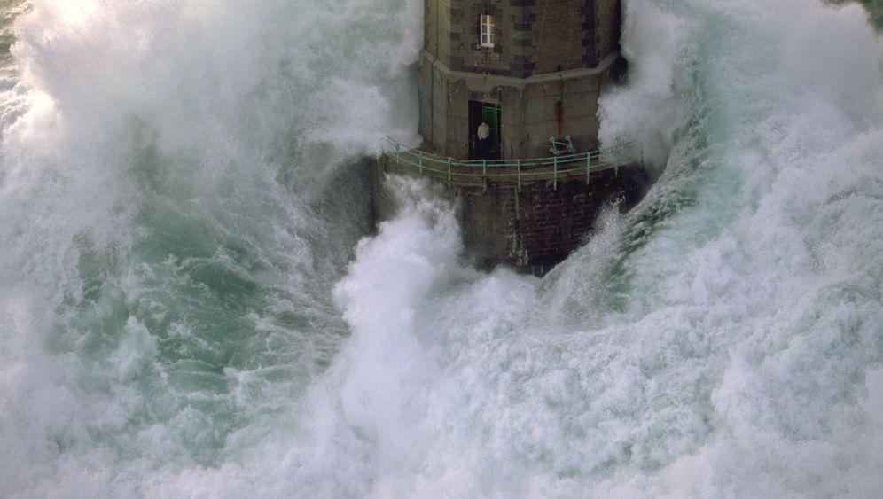 Leuchttürme: Aufrecht zwischen Monsterwellen