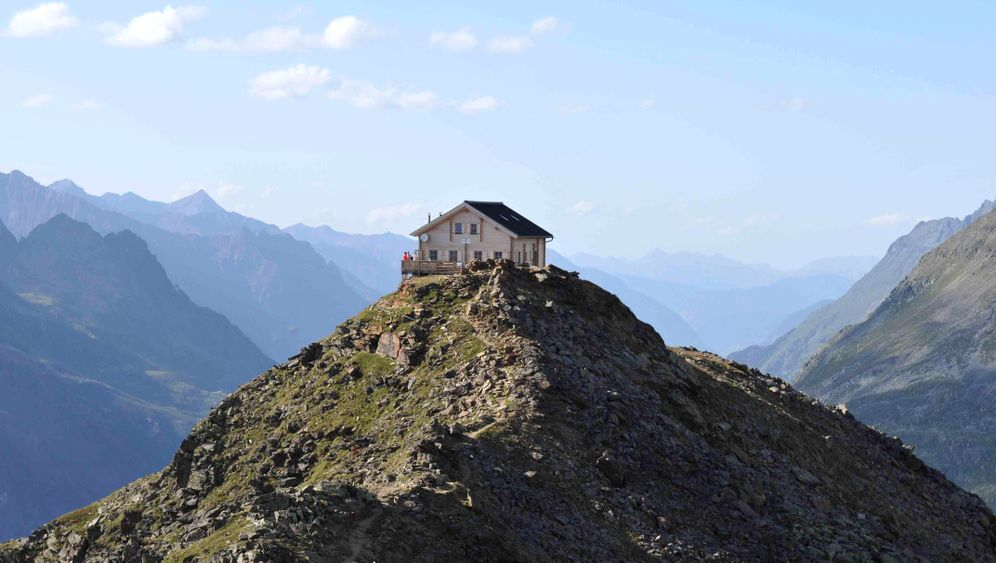 Alpen: Hütte in Spitzenposition