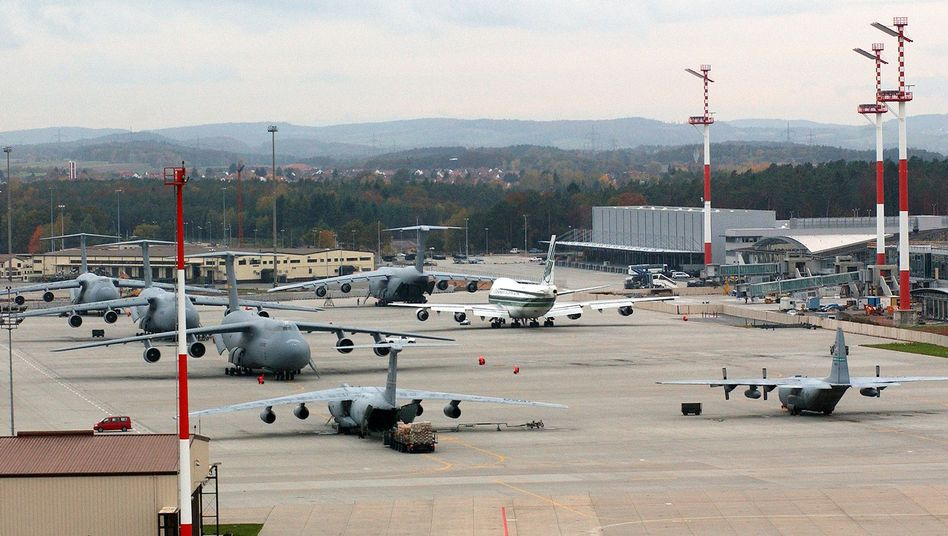 US-Basis in Ramstein (Archiv): Wird von hier der Drohnenkrieg gesteuert?