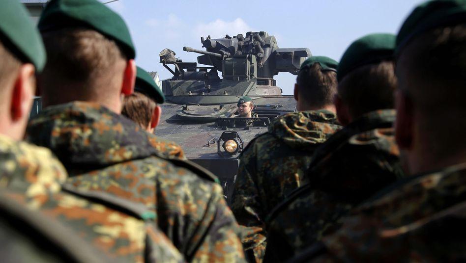 Bundeswehr vor Nato-Manöver: Beistandspflicht? Das deutsche Volk pfeift drauf!