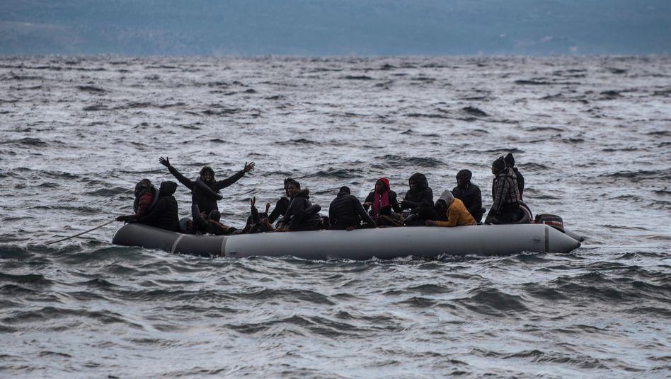 Migranten aus Afrika vor der griechischen Küste: Der Corona-Rückgang geht zu Ende