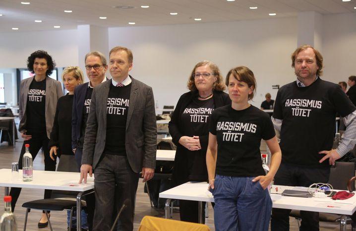 Die Thüringer SPD-Spitze: Diana Lehmann (vorne rechts), Matthias Hey (vorne links) und Georg Maier (hinter Hey)