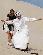 """Nicolas Kiefer mit Freundin beim Sandsurfen in Dubai: """"Immer wenn ich in Asien spiele, drehen die Leute durch"""""""