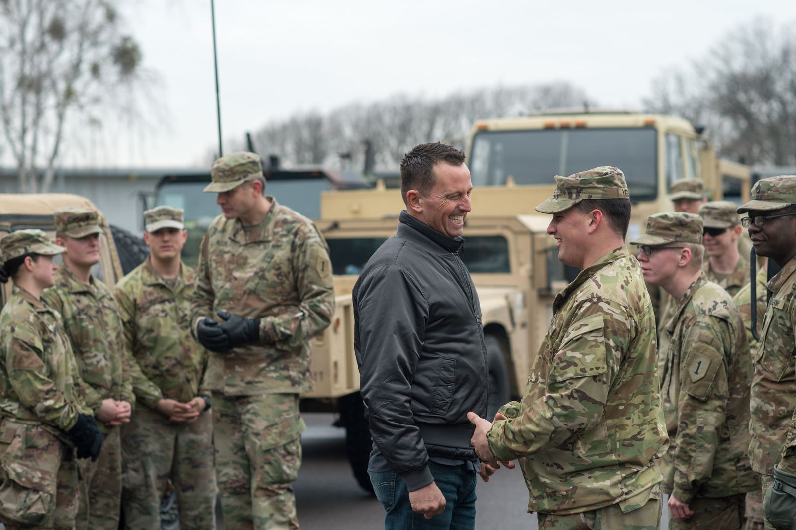 Grenell besucht US-Soldaten