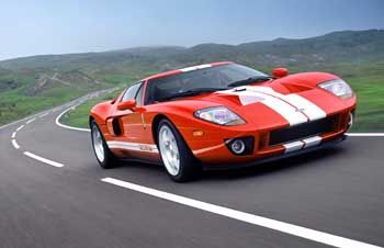 Ford GT: Rot-weißer Renner