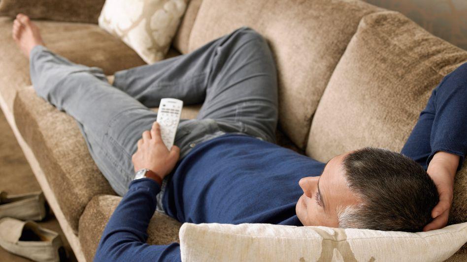 Lieber Sofa als Turnhalle: Viele scheitern am inneren Schweinehund